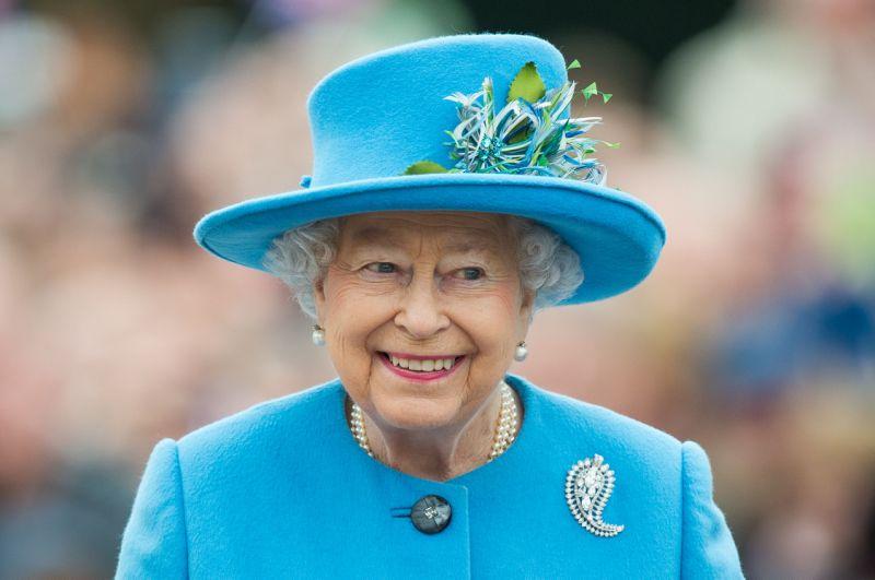 ¿Por qué la reina Isabel tiene tantas monedas?