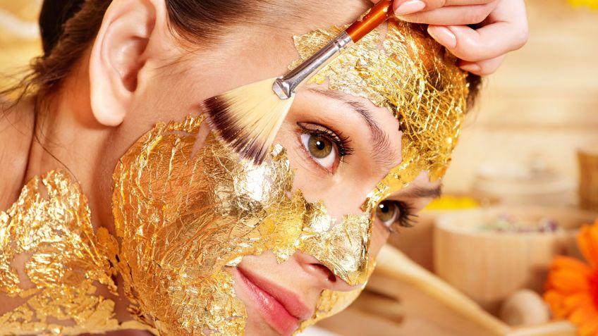 Tratamiento Facial de Estética con Oro